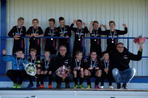 ffe-feanstars-jo13-2-kampioen-herfstserie-2016-fvdz-dscf1185-768x512